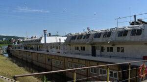 Training vessel decin TOS