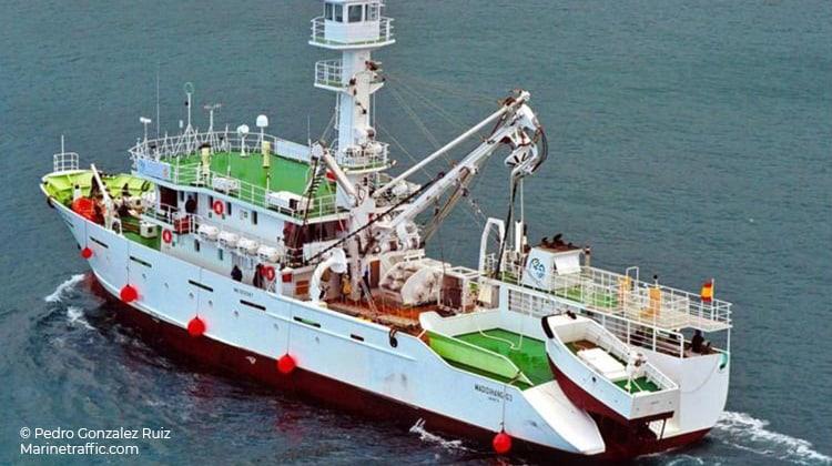 sailing madidihang 03 ship delivery TOS