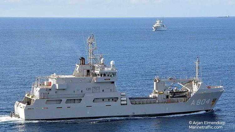 sailing pelikaan ship delivery TOS