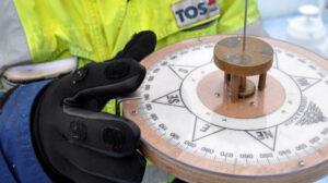 Compass adjuster TOS