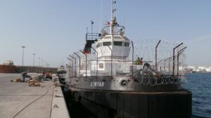 Ship Delivery TOS Sinyar tug