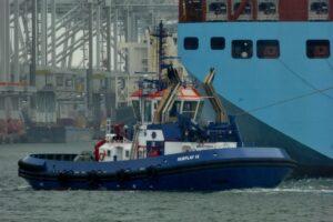 Tweede-stuurman-sleepboot-tos