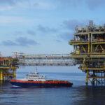 offshore master crew boat TOS