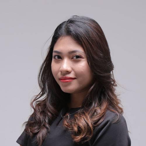Junior Consultant Christine TOS